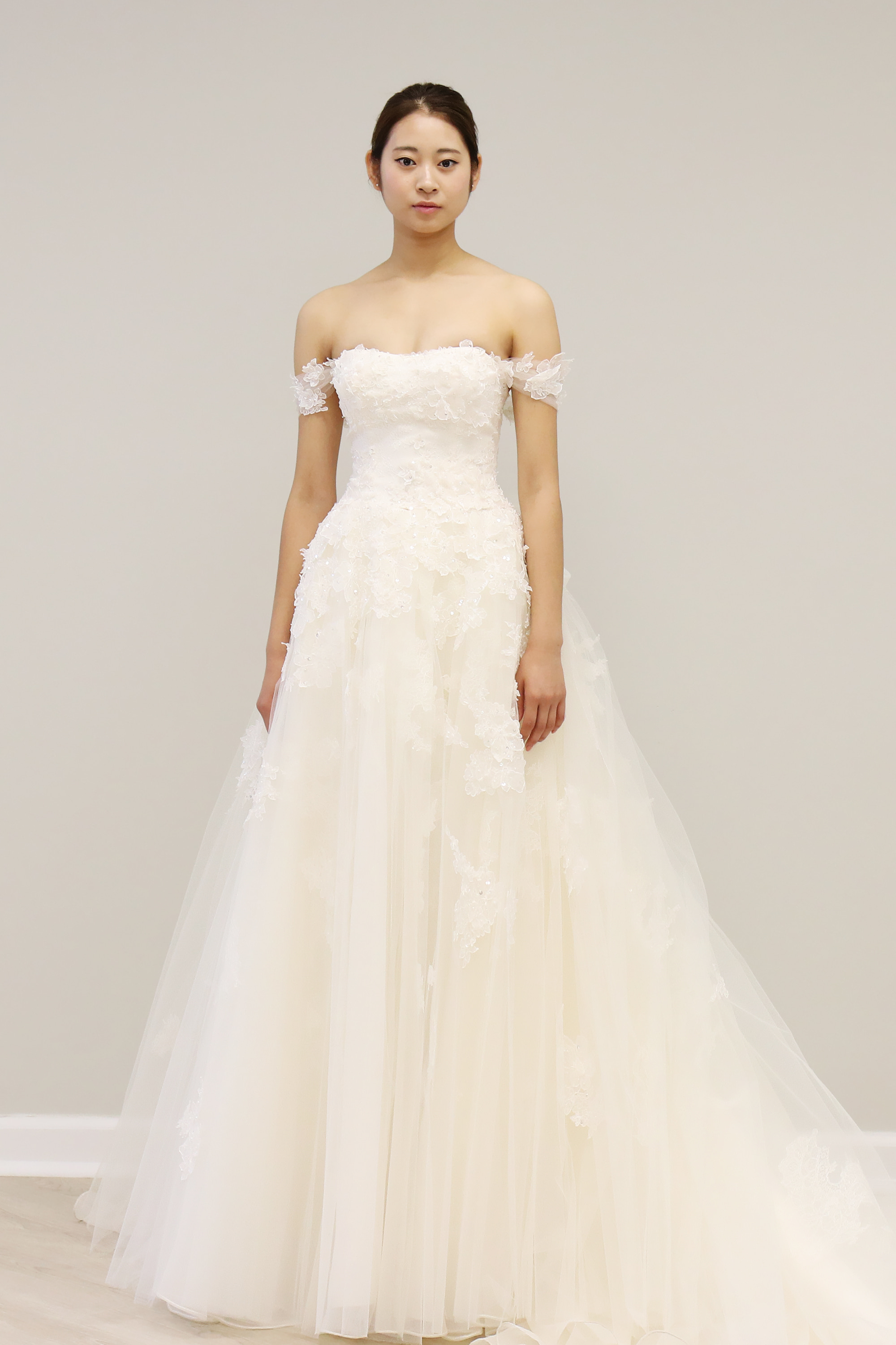 WEDDING DRESSE, BALLGOWN